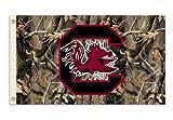 Bsi Productos 95426 3 pies. X 5 pies. Flag W / Grommets - Antecedentes Realtree Camo - Carolina del Sur gallos de pelea